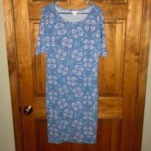 LulaRoe Julia blue rose floral dress size large!
